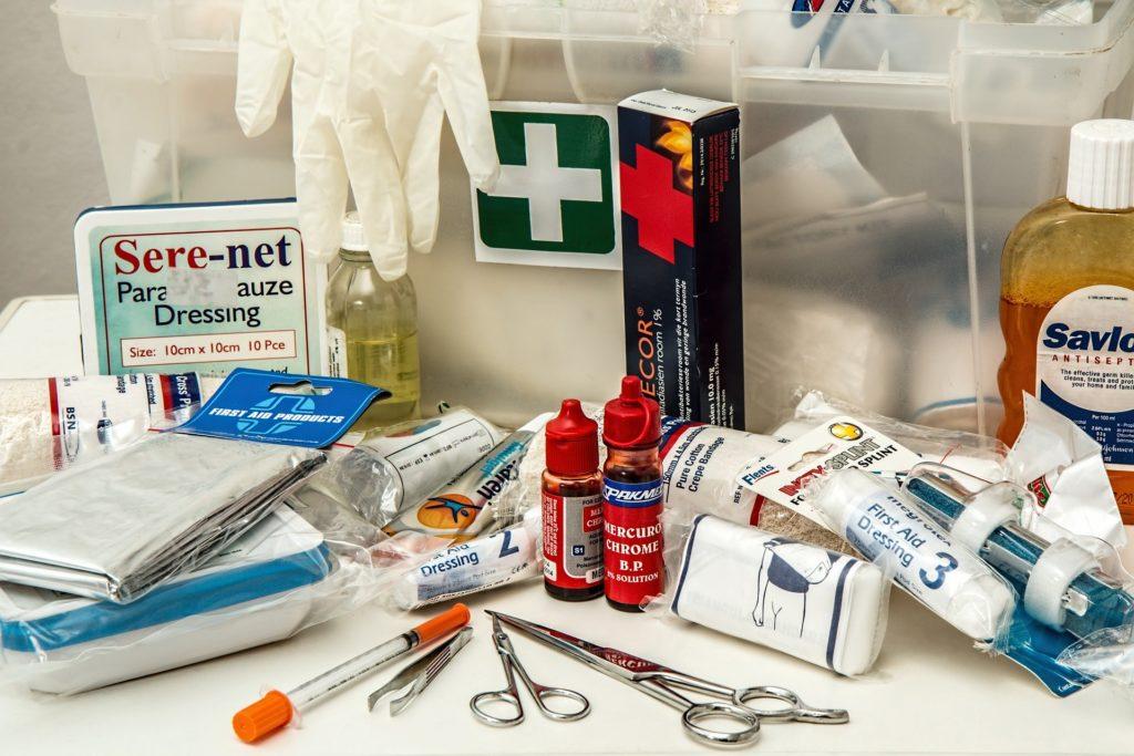 matériels de secours,kit médical,gants médicaux,,bistouri